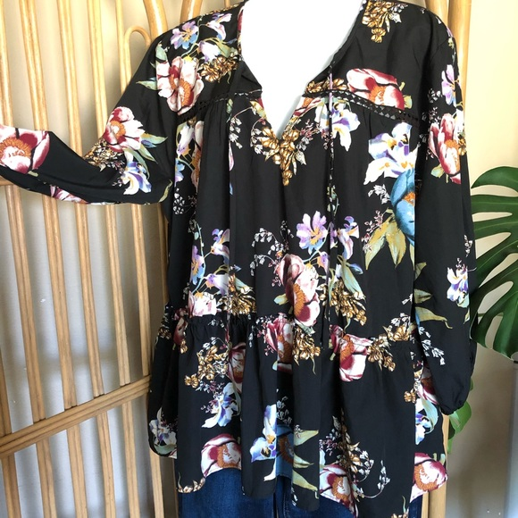 NEW! Olivia & Grace Floral Blouse XL Black